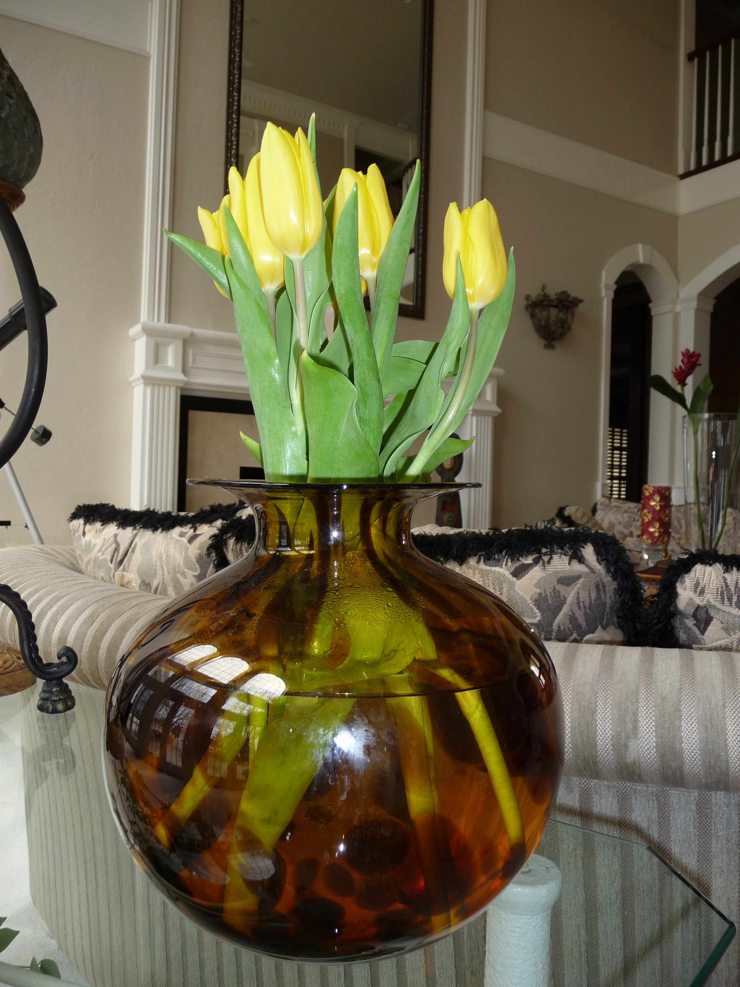 create flower arrangements with store bought flowers